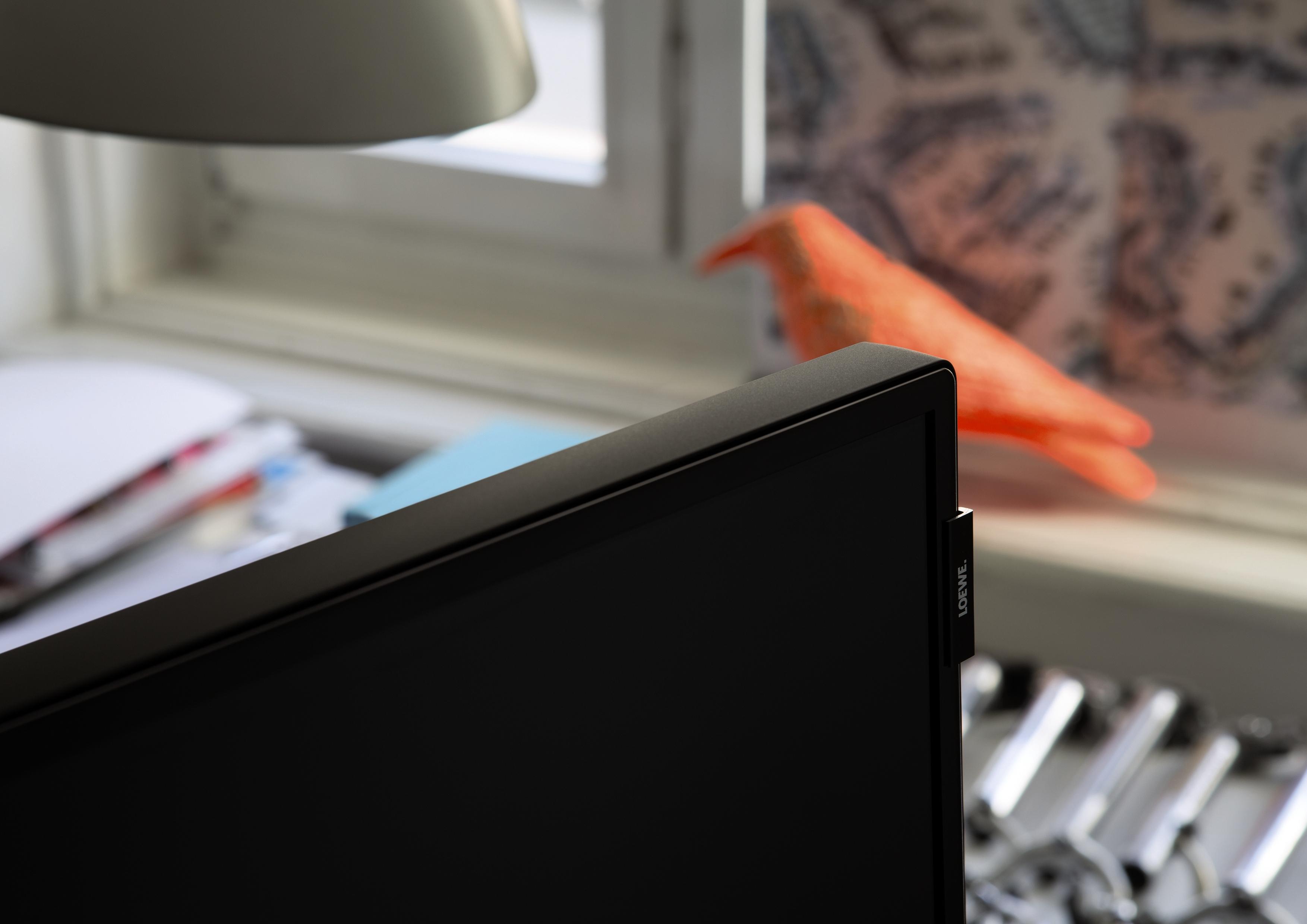 loewe bild luxusn dom c kina a audio. Black Bedroom Furniture Sets. Home Design Ideas